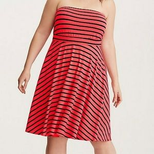 EUC Navy Red Stripe strapless dress Torrid Size 3